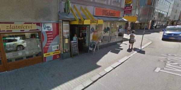 vstup do pasáže v Tyršově ulici